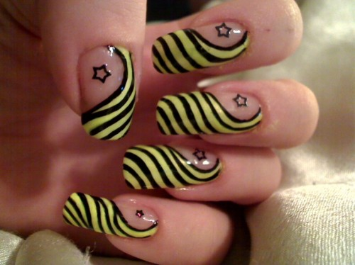 Yellow and Black Nails with Stars for Christmas